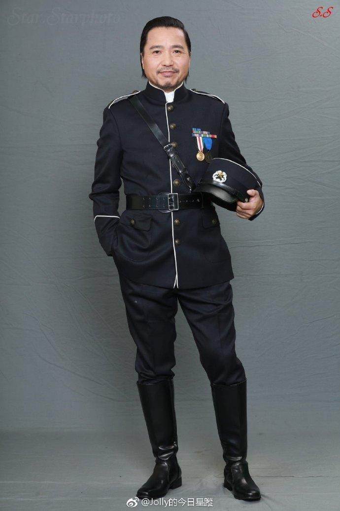 张卫健回归TVB新作《大帅哥》引热议,看看你的好朋友像剧中哪一号人物?插图6