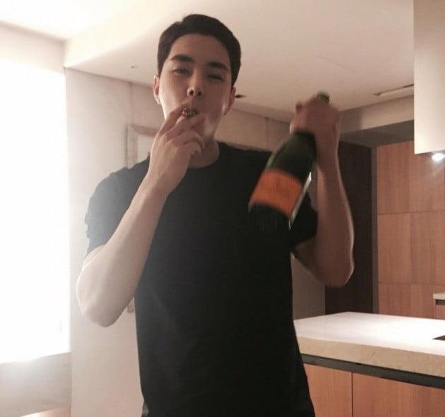作死!出狱才短短12天,韩国男星再度因涉毒、酒醉闹事被警方逮捕插图3