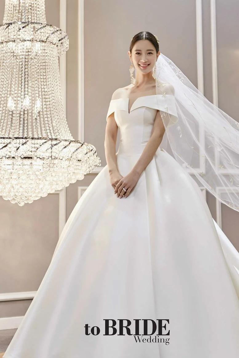 闪婚?韩国性感女星Clara宣布将与企业家男友周末在美国举办婚礼插图6