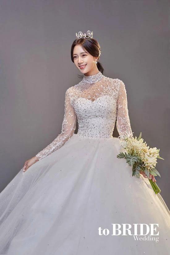闪婚?韩国性感女星Clara宣布将与企业家男友周末在美国举办婚礼插图5