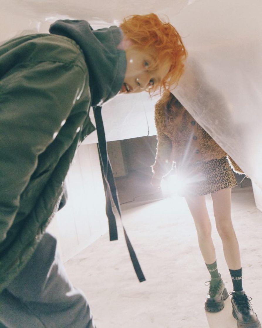 泫雅与E'Dawn首度拍摄情侣画报,甜蜜「亲吻照」引粉丝热议!插图8