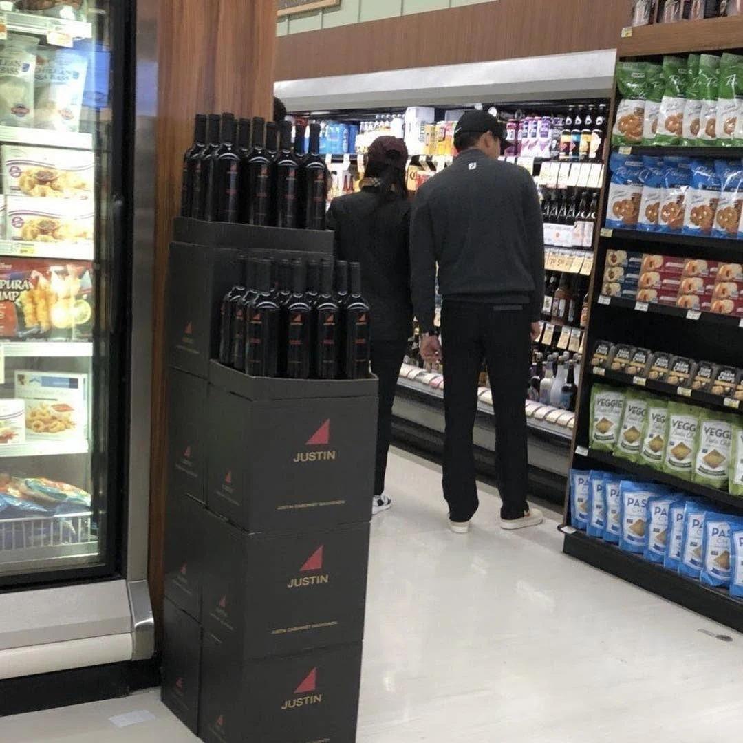 官方再次否认恋情,玄彬和孙艺珍在美国被拍到同逛超市引热议!插图2