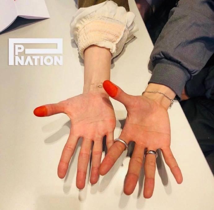 泫雅与男友签约加入PSY新成立的经纪公司P NATION,网友:要搞江南style2.0?插图4