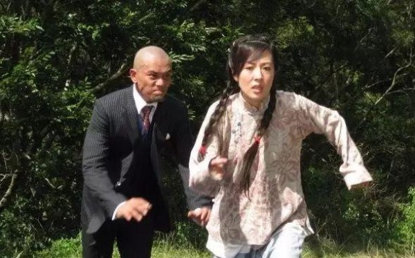 曾因演坏人被观众骂翻天!TVB御用奸角李天翔宣布离巢,晒黑白照袒露心声!插图3