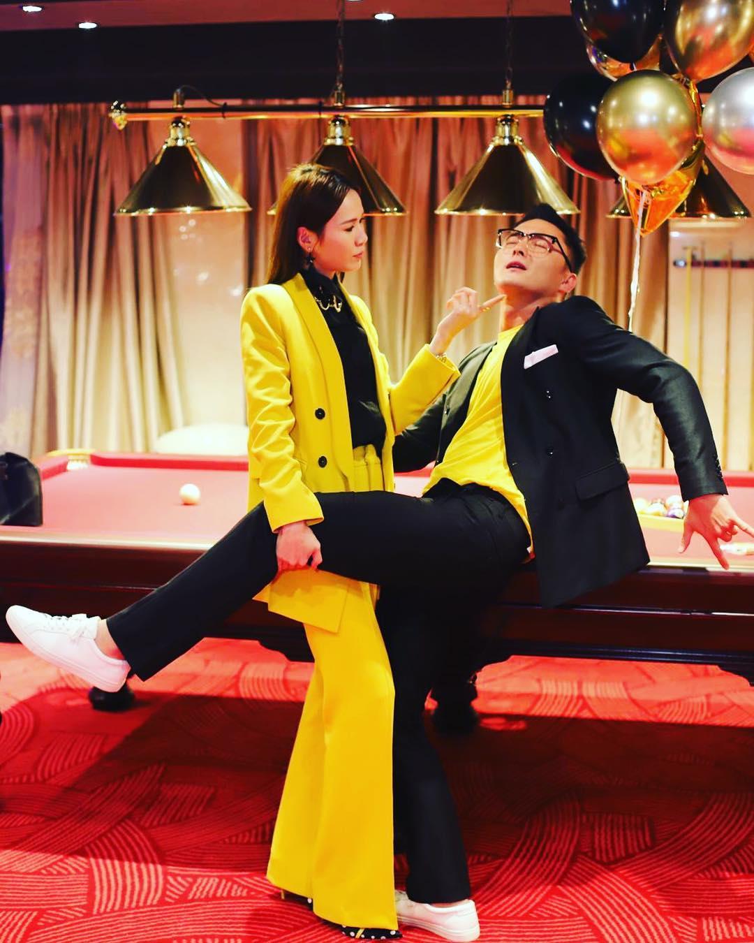 TVB男星杨明女友生日,两人疯狂秀恩爱!网友:赶快结婚吧!插图1