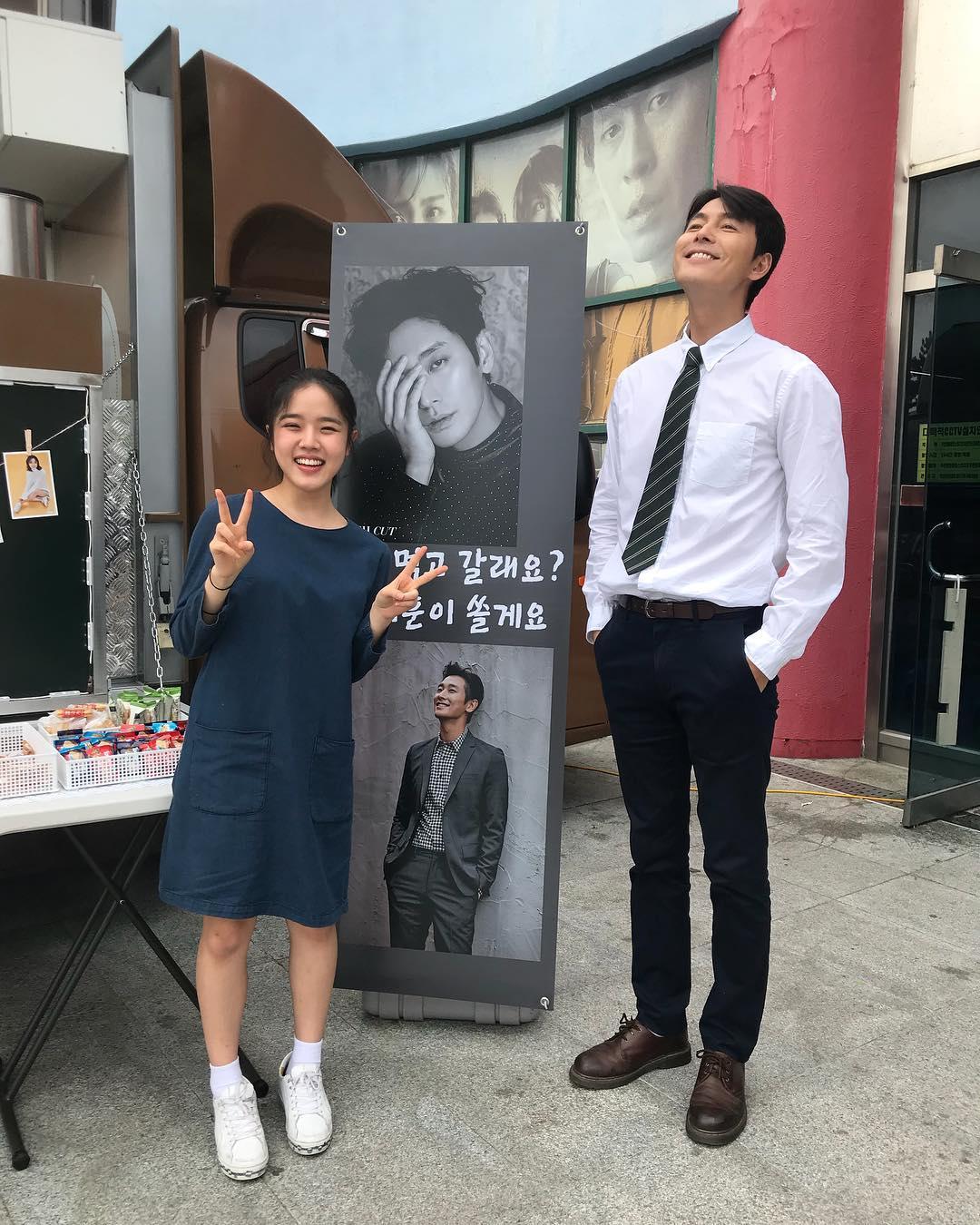 缘分!两人相隔17年又重逢啦,金香起与郑雨盛合作电影《证人》韩国热映!插图5