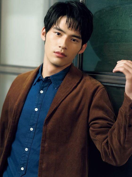 近期人气看涨的10位日本鲜肉帅哥,演员&模特款任你挑选!插图3