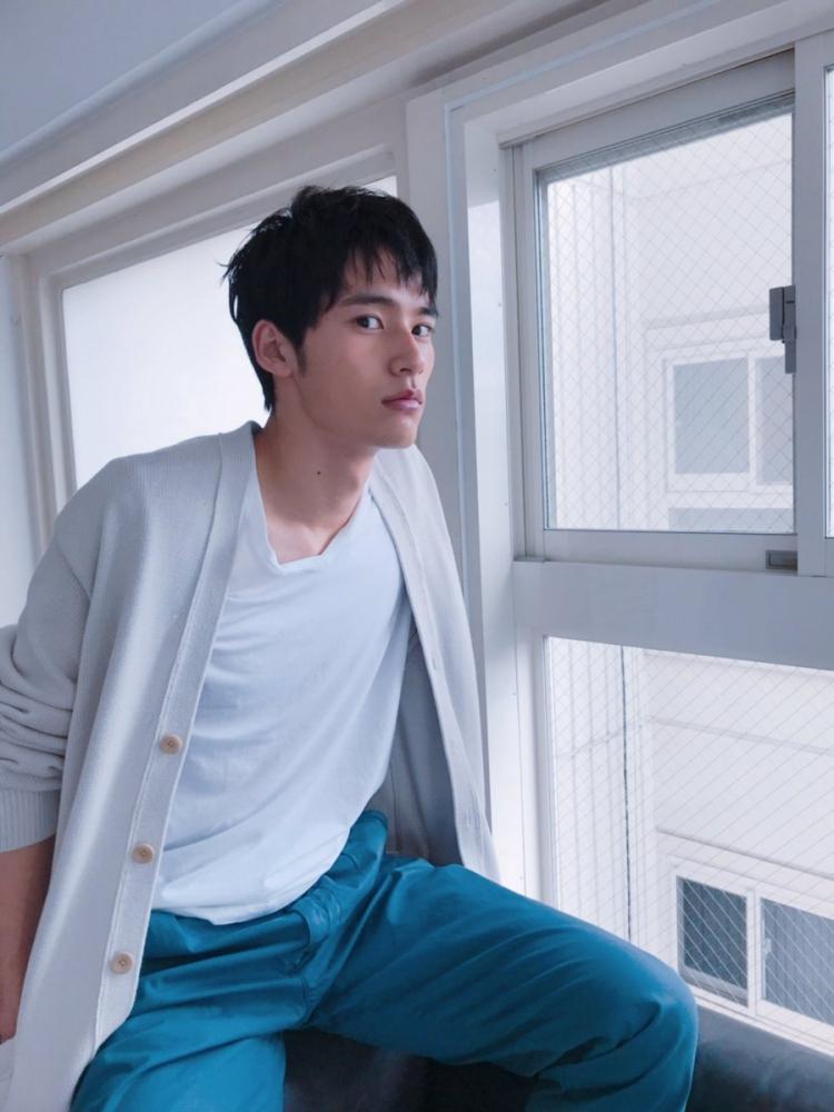 近期人气看涨的10位日本鲜肉帅哥,演员&模特款任你挑选!插图2