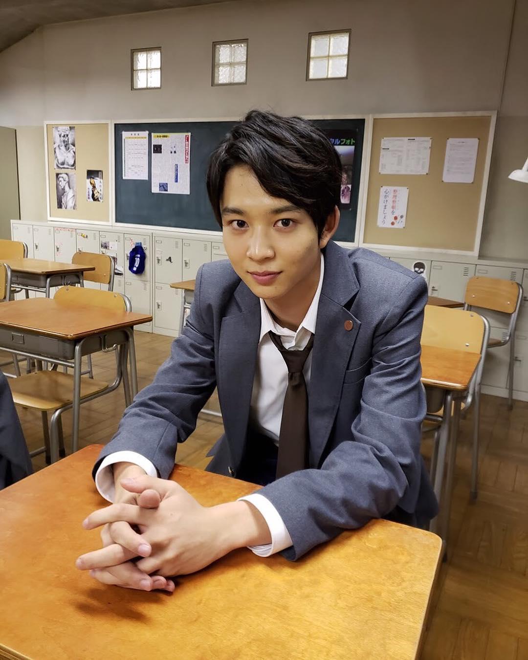 近期人气看涨的10位日本鲜肉帅哥,演员&模特款任你挑选!插图4