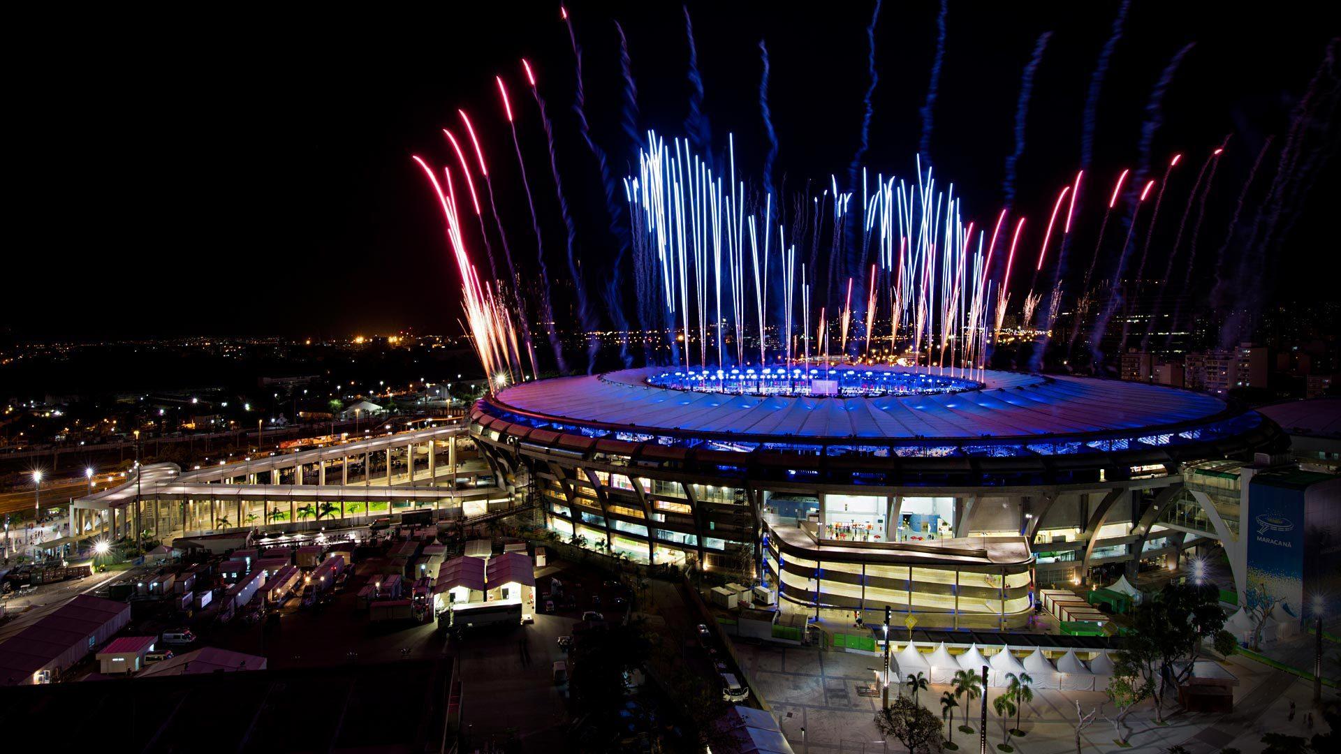 夜幕下的奥运会场馆