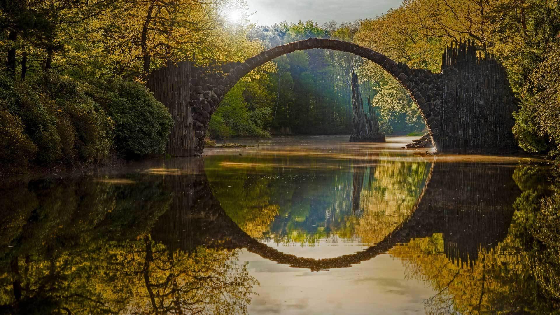 桥与影的圆