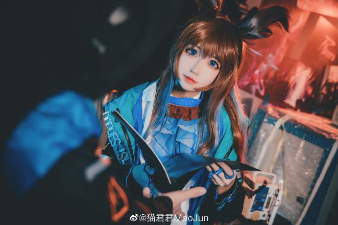 微博网红少女猫君君_MaoJun cos《明日方舟》- 阿米娅-cos图片