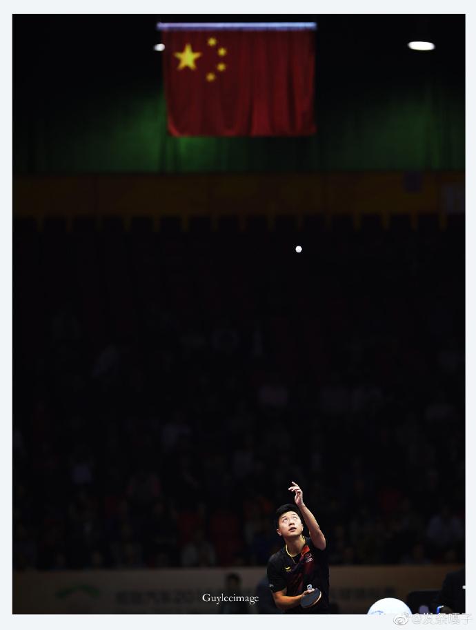 国旗,国球,国手,只有中国人能懂这一瞬间定格的震撼