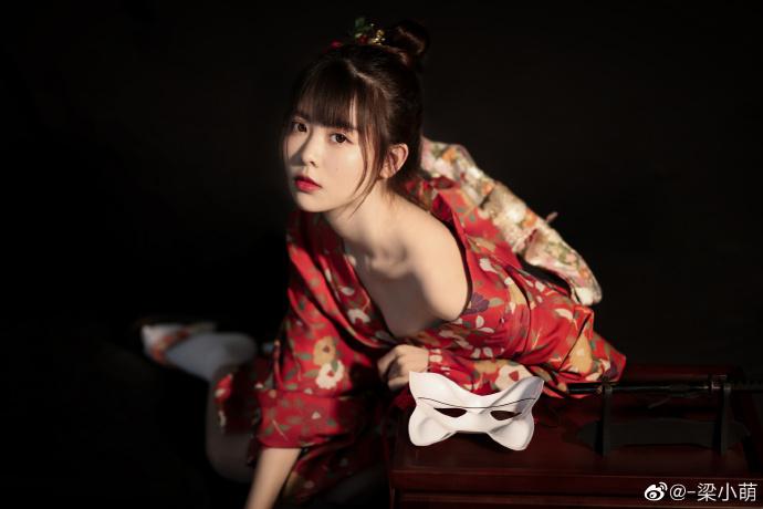@-梁小萌 ??????和服の写真,附无水印图包下载[18P/112M] www.coserba.com整理发布